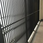 東京 シャープ100型(4辺支持) 横格子多段数 侵入防止柵